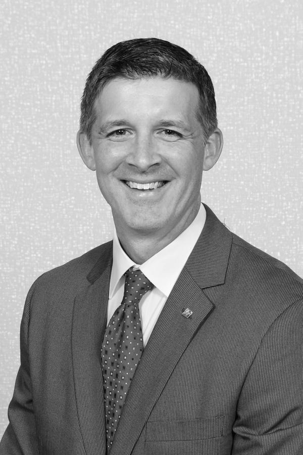 Kevin M Stierwald