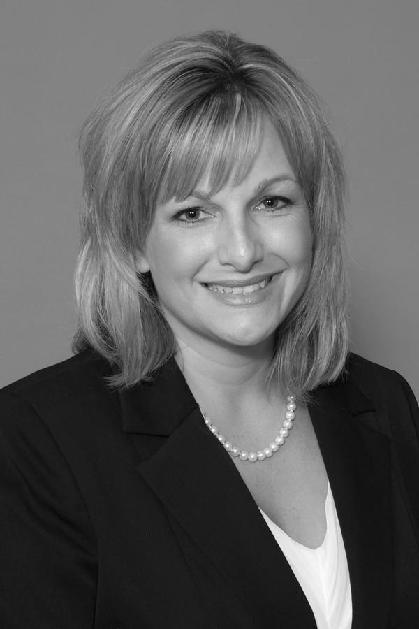 Theresa L Palmer