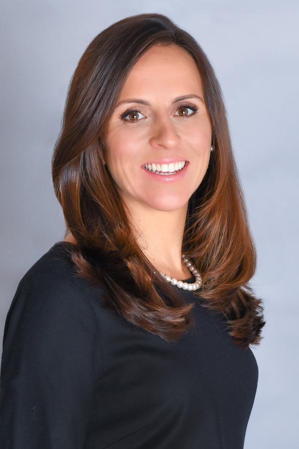 Lauren C Porter
