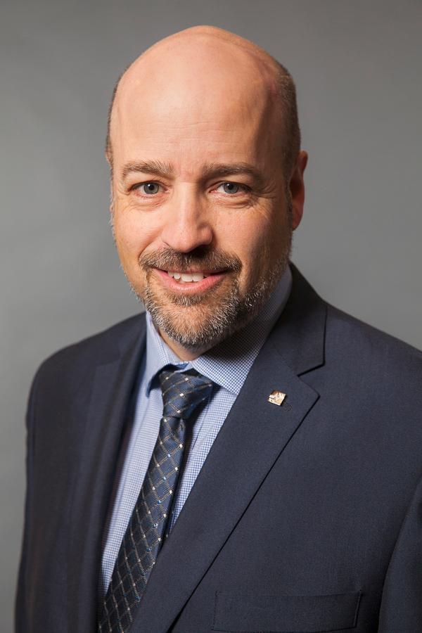 Michel J Landry
