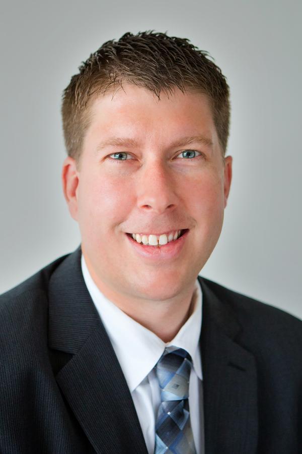 Ryan W Thomas