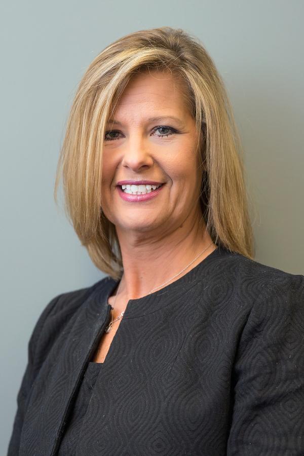 Angela L Momot