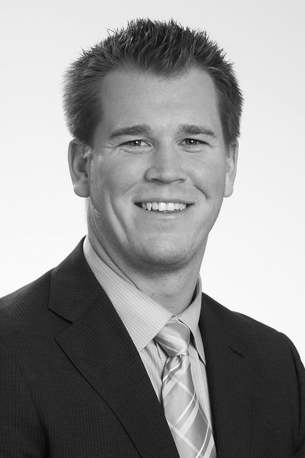Scott D Marshall