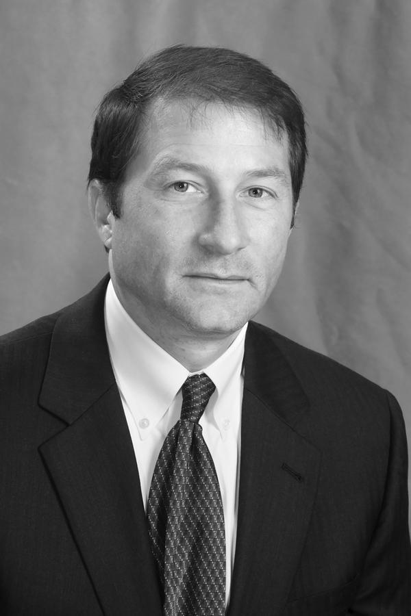 Stephen J Warcholak