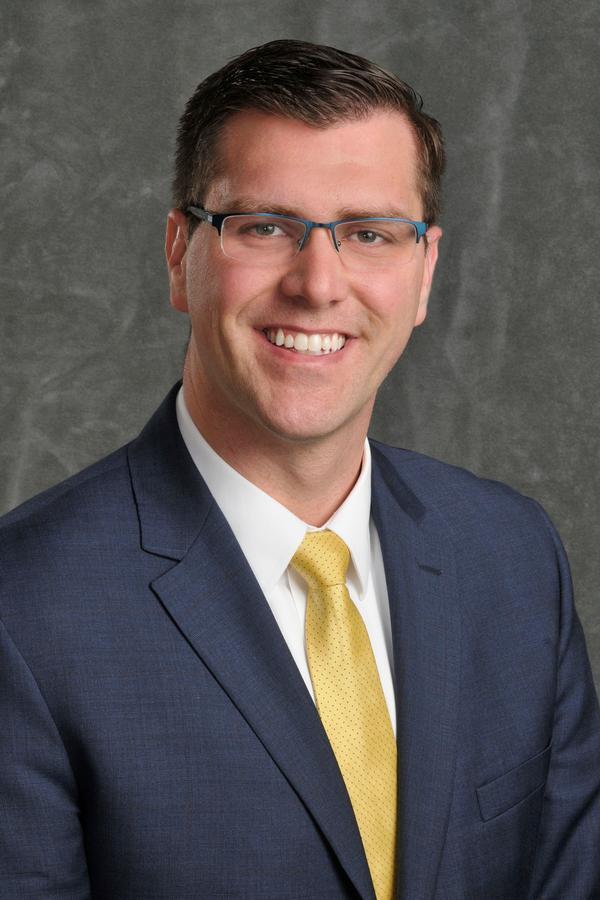 Brandon D Blackford