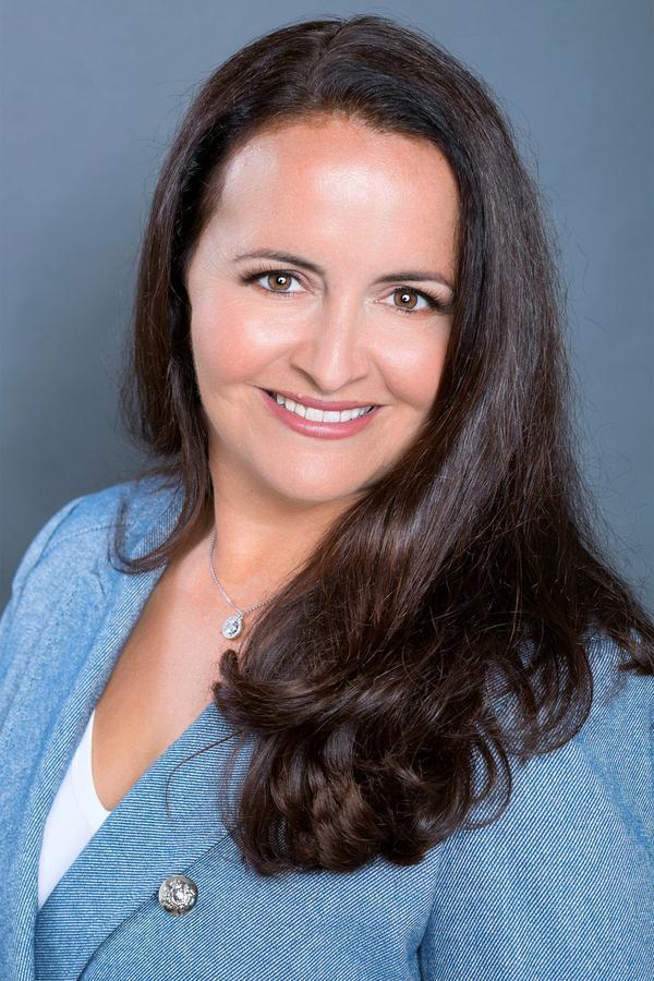Sarah S Reznick