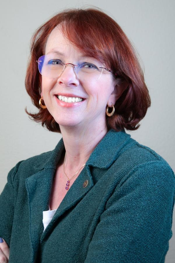 Carolyn D Stiver