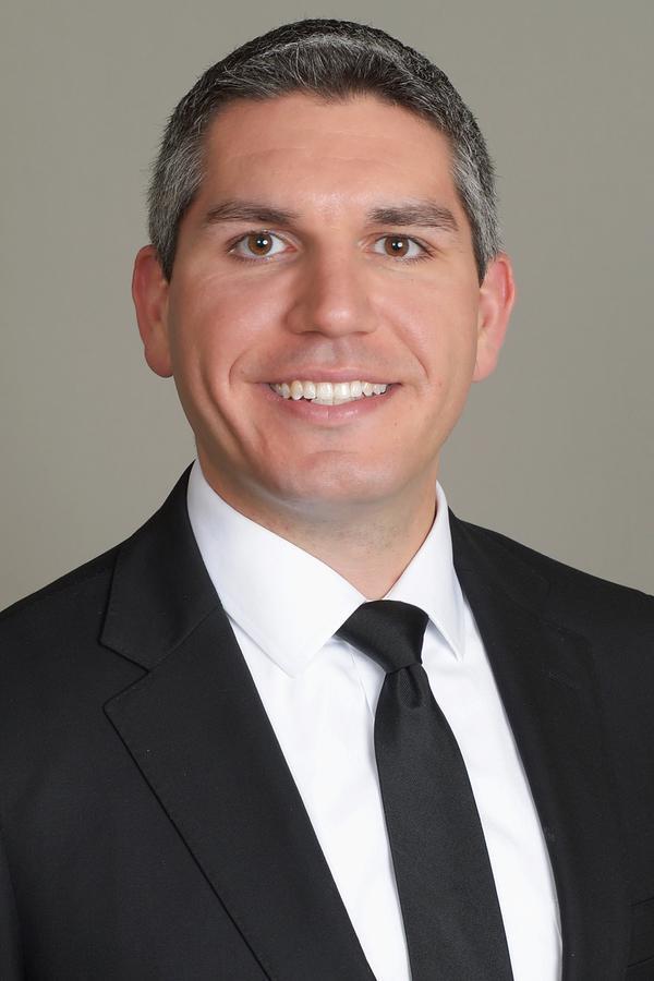 Robert J Diaz