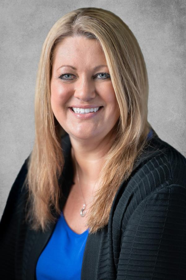 Heather J Hilleshiem