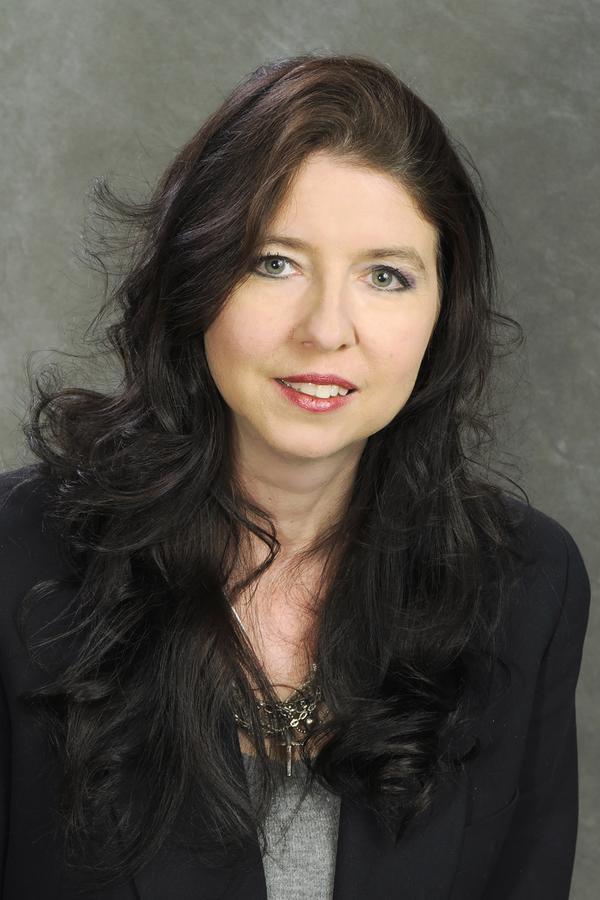Tonia L Warncke