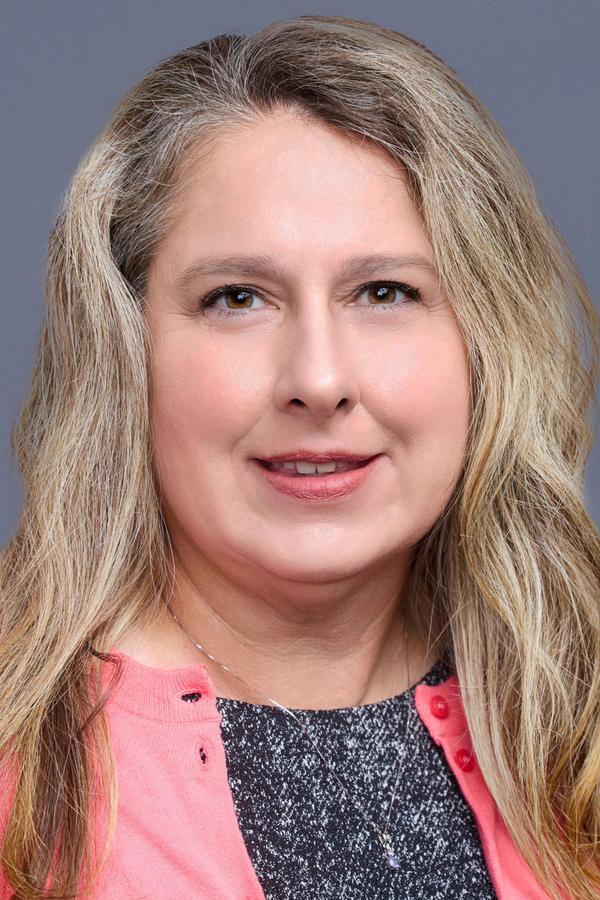 Stephanie E Miller