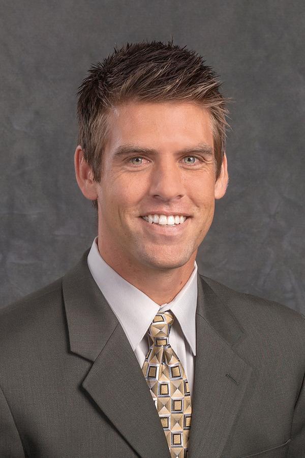 Dustin R Insley