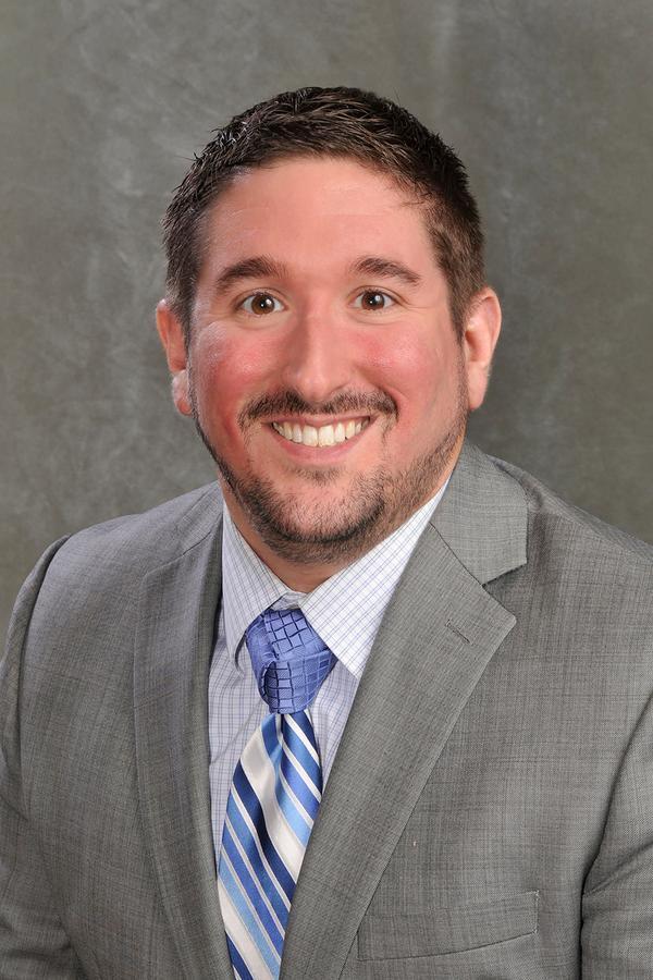 Dustin L Schlabach