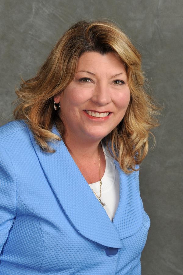Christie L Standish