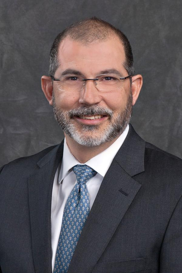 David M Lee