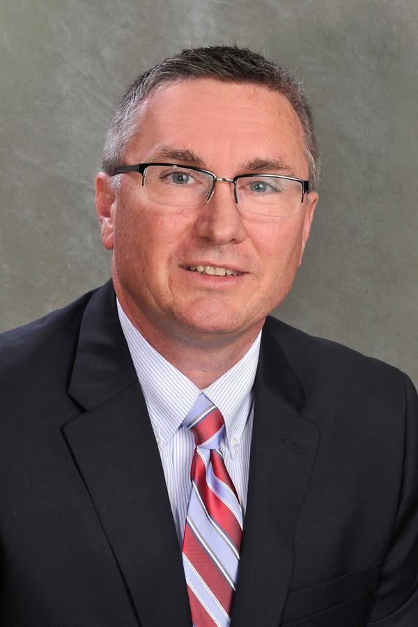 Kevin D Clayton