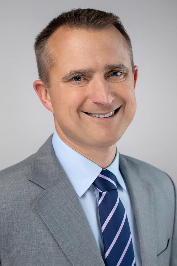 Paul D Alwine