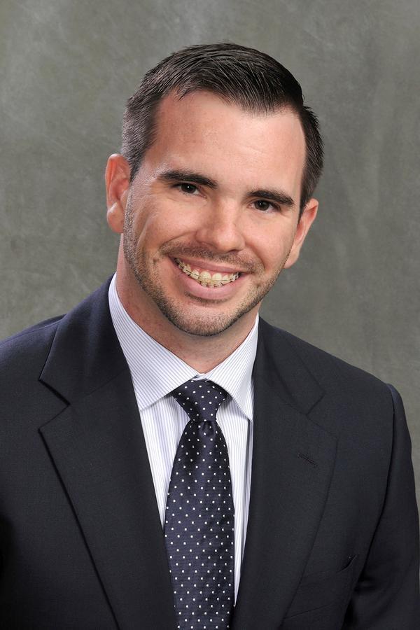 Jonathan E Shoffner