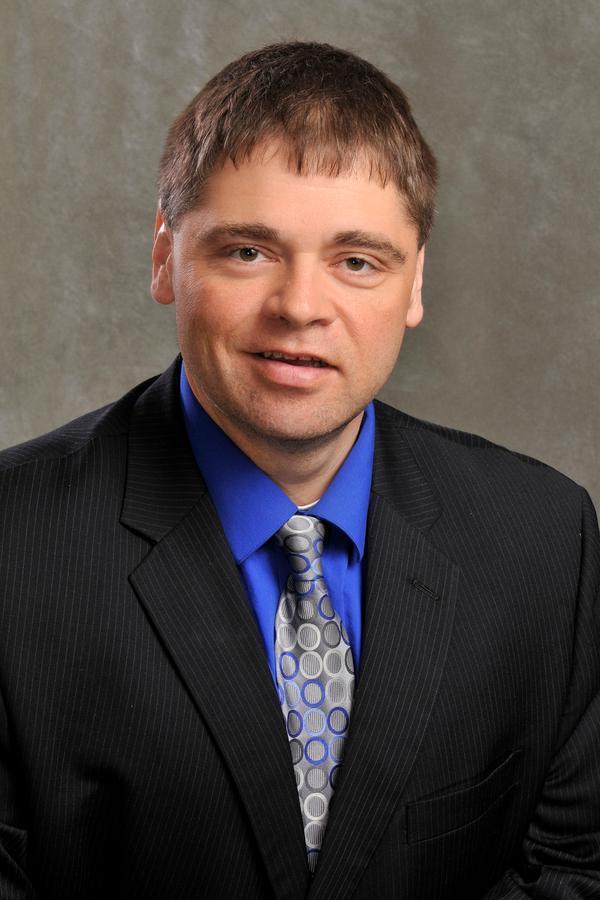 Matthew J Pallo