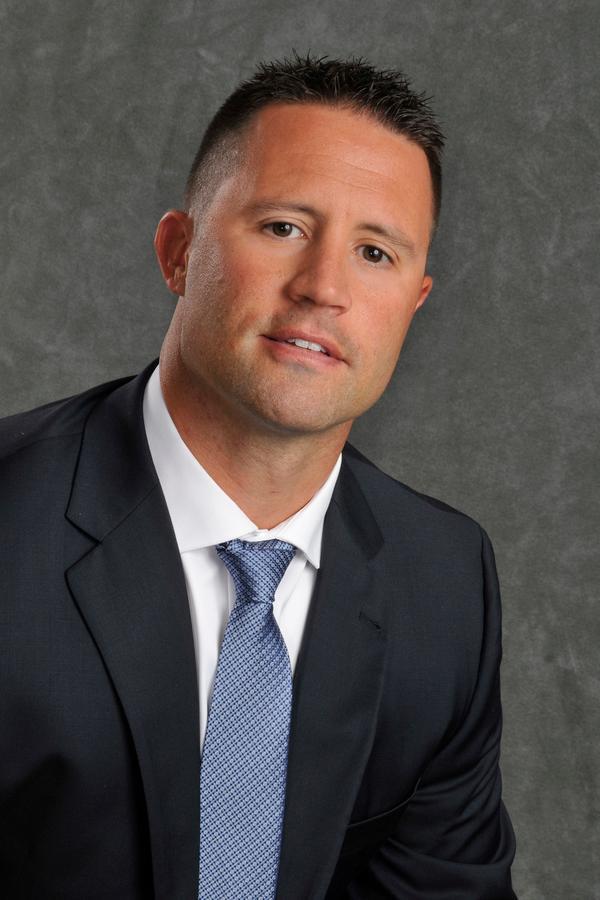 Eric A McClurg