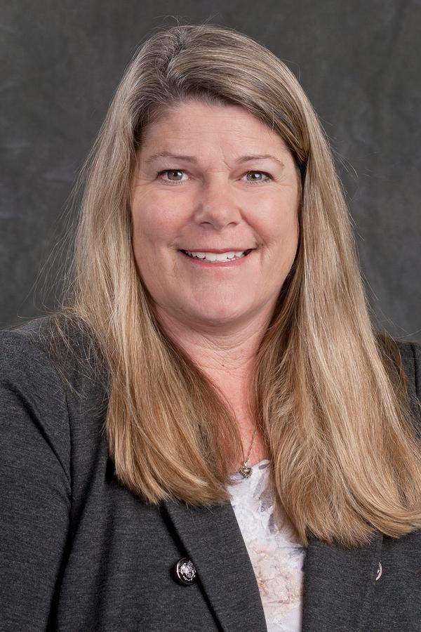 Lisa M Ogden