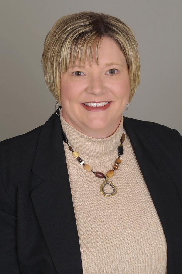 Robyn M Williams