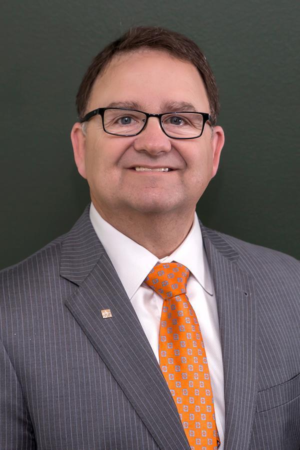 Paul D Mayabb