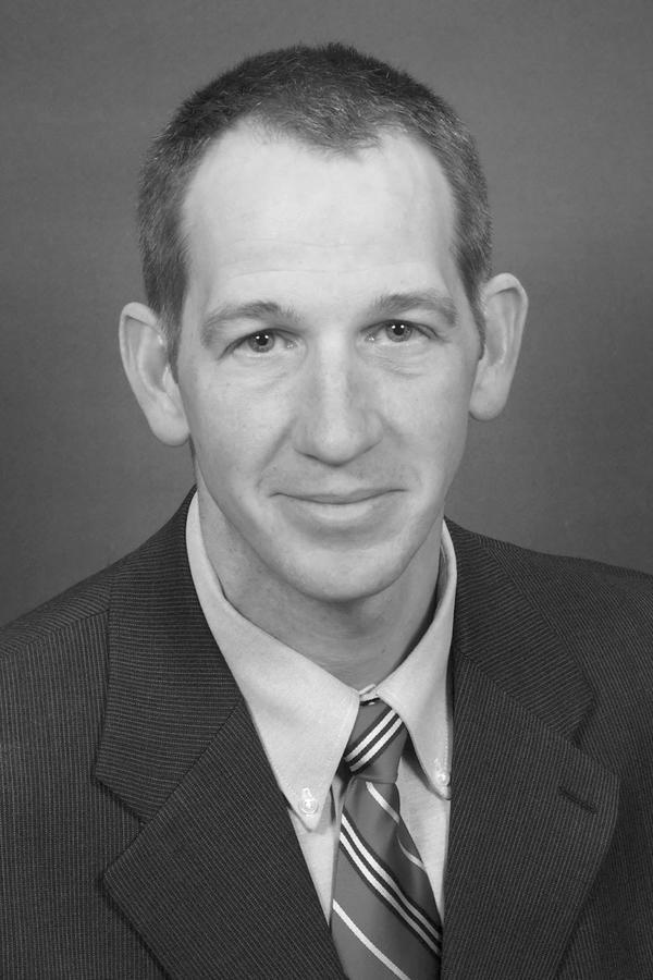 Steven W Rutz