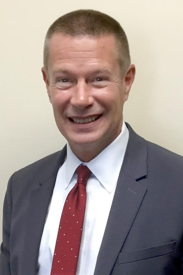 Shawn D Wall