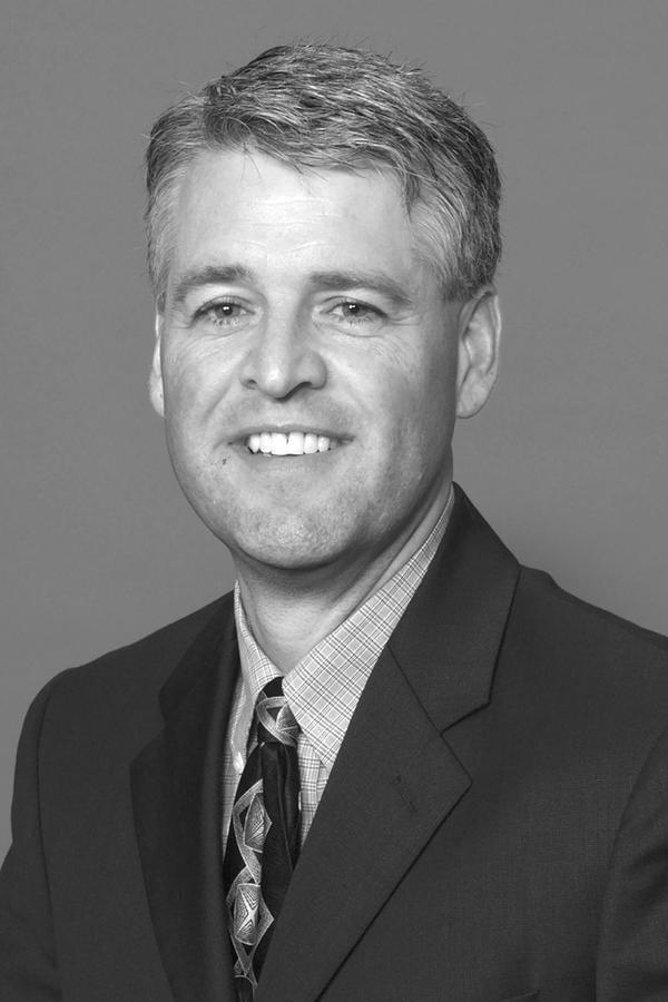Lee D Schmidt