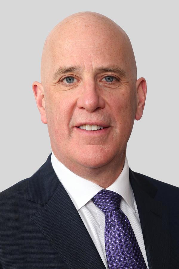 Leonard R Scharbach