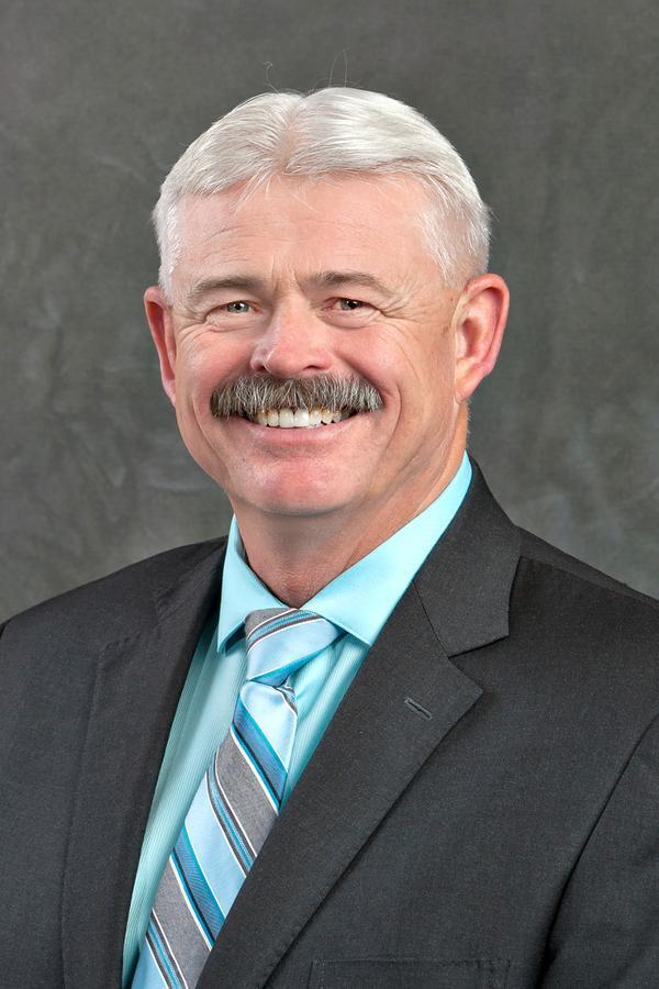 Gary D Starr