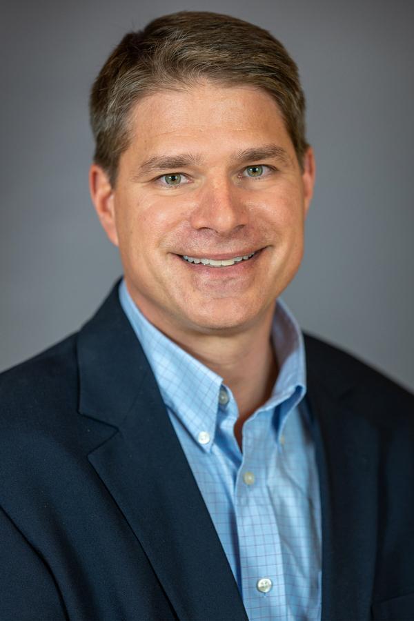 Ryan M Freitag