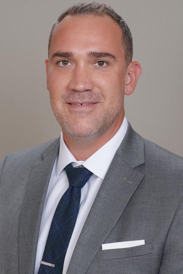 Stephen M Huelster